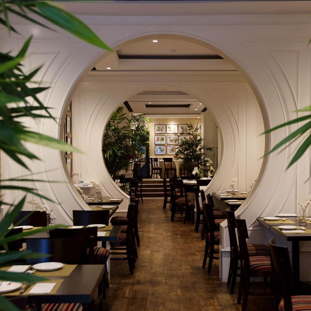 8407 Kitchen Bar: DongTian Kitchen Bar